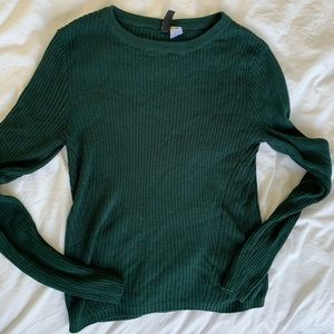 H&M Divided forest green sweater size Medium